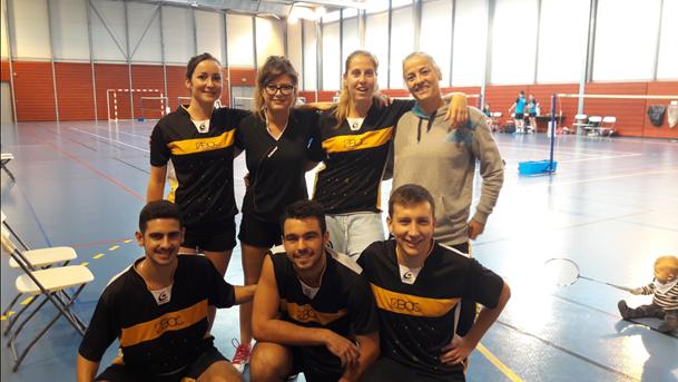 7 joueurs de badminton
