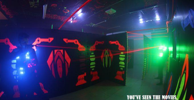 2 joueurs de laser game